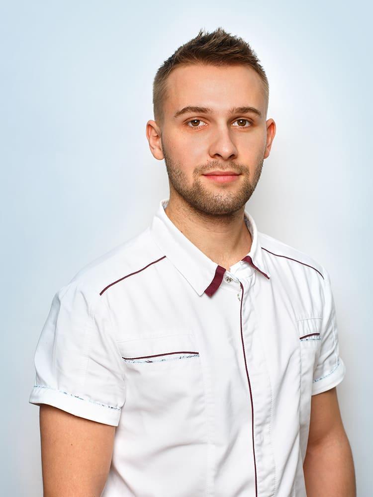 Beloborodtsev-sergej-nikolaevich-assistent-vracha-stomatologa